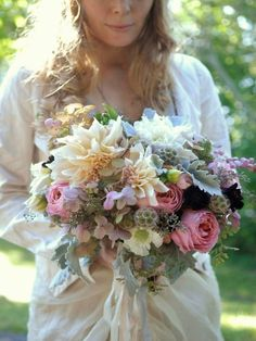 Its that time again, I get to predict (coerce) bridal trends for the coming year. Last years list saw the 20s, orange and mismatched bridesmaids. Whilst I think the first will continue strong in to 2013 (which I am pleased about) there will be some sauntering in to the 30s jazz era also. This yearRead more »
