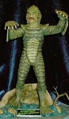 Aurora Creature from the Black Lagoon  by Van Helsing Plastic Production kit http://www.gremlins.com