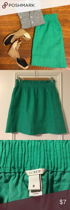 J. Crew factory green skirt Pre-loved green elastic high waist skirt with side pockets from j crew. Color faded a little, some snags due to machine wash. Price reflects all that. 100% linen, 100% cotton lining. Comfortable and cute. J. Crew Skirts Mini
