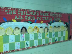 Christmas bulletin board @Kay Painter I think I found our Christmas door!