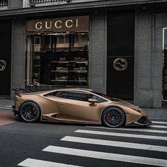 Lamborghini Gallardo, Gold Lamborghini, Bugatti Veyron, Car Images, Car Photos, Travel Photos, Audi R8, Lexus Lfa, Supercars