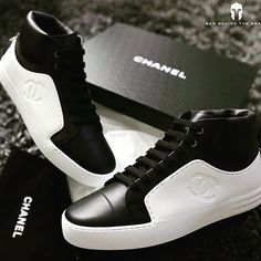 #CHANNELSNEAKERS #sneakershout #style #sneakerboss #smallwordfashion #trendy #fashionworld #fashionister #menfashion #mencasual #smartcasual #simplysmart #sneakerloud  Place order ASAP via +2348082995184 , +2348171250399 or DM via @crownexpressdelivery for your Swift delivery ...👍👌👌👍👉 .....SWIFT DELIVERY NATIONWIDE..... Smart Casual, Men Casual, Small Words, Front Row, Louis Vuitton, Mens Fashion, Sneakers, Shoes, Moda Masculina