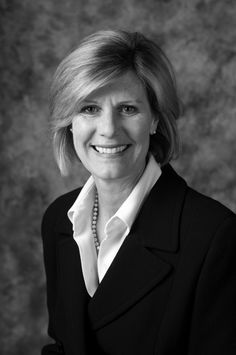 Mary Wiegel Davis - Knowledge, experience, calm, strong work ethic, transparency. Mary brings all these qualities to every real estate transaction. Whether her clients are buyers or sellers, she knows home values, negotiating and contractual process, inspections, financing, and staging.