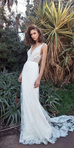 Fairytale Flora Wedding Dresses 2018 Every bride wants to feel and look graceful on her wedding day.Look at this collection and Flora wedding dresses are sure to make your heart flutter! Western Wedding Dresses, Wedding Dresses 2018, Bohemian Wedding Dresses, Wedding Attire, Bridal Dresses, Wedding Bride, Dresses 2016, Boho Wedding, Wedding Venues