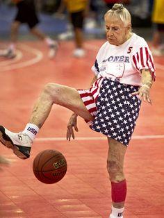 Great under the leg dribble Jane! #seniorcitizen#activelifestyle#basketball