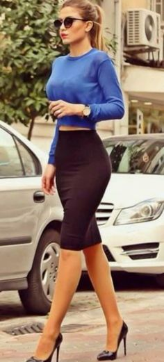 awesome outfit idea / blue sweater + black pencil skirt + heels