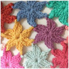 Join as you go crochet stars pictorial and diagram. Oh the possibilities!