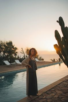 Miren wears the Poppy Set in Charcoal Location Morocco Coco Chanel Fashion, Simple Style, My Style, Bohemia Style, Street Style Summer, Summer Feeling, Clothing Hacks, Ethical Fashion, Everyday Look