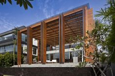 Cove Way House by ERNESTO BEDMAR ARCHITECTS. Sentosa Island. Singapore