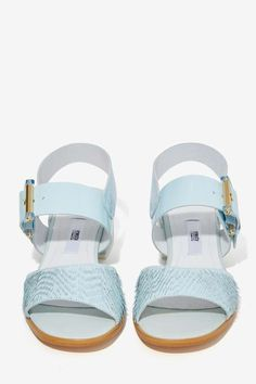 babyblue.quenalbertini: Leather Sandals