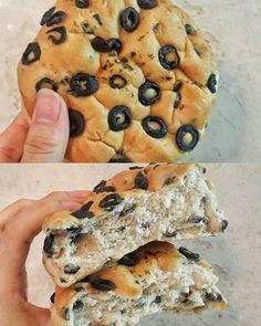 WEBSTA @ bbangpago - 외계인방앗간,귀족올리브요즘 쌀빵에 빠졋당 특유의 쫀득한 식감이 너므죠음 ㅋㅋㅋㅋㅋ내가 쌀빵의매력에 빠지는것에 톡톡히 한몫한 귀족올리브! 쬰득하고 촉촉한 빵식감에 혜자롭게 박혀있는 짭짤한올리브! 짱맛잇당😋가격은 3200원쯤!.....#빵 #빵순이 #빵돌이 #빵덕후 #빵스타그램 #빵단면 #빵리뷰 #빵투어 #빵생빵사 #빵파고 #데일리빵 #빵트폴리오 #빵다이어리 #분당맛집 #분당빵집 #정자빵집 #정자맛집 #외계인방앗간 #쌀빵 #정자외계인방앗간 #귀족올리브 #냠냠 #먹스타그램 #맛스타그램 #잇스타그램 #bread #instabread