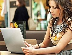 http://www.smartladydating.com/  Online dating tips and advice for women.