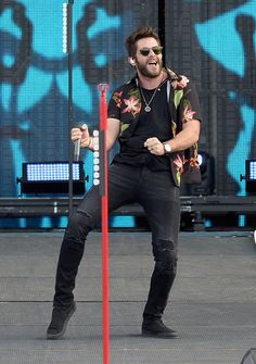 Thomas Rhett Photos - Thomas Rhett is onstage during Tortuga Music Festival on April 2016 in Fort Lauderdale, Florida. Country Music News, Country Music Artists, Country Music Stars, Country Singers, Country Men, Country Girls, Kane Brown Music, Tortuga Music Festival, Country Girl Quotes
