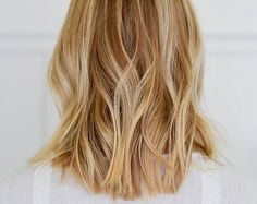 soft wavy blonde bob