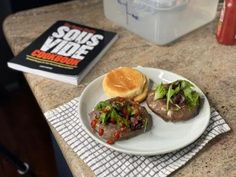 Sous vide burgers with beef patties made from scratch and The Home Chef's Sous Vide Cookbook | sipbitego.com #sipbitego #beef #hamburgers #sousvide #burgers #cookout