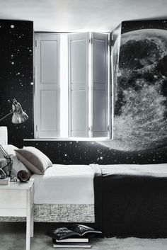 Thanks to California Shutters for sharing this great bedroom photo including our Full Moon mural on the wall! | If you are looking for a feature wall design that has simple black and white colour contrast but still creates an amazing impact then look no further than at our Moon and Stars Wallpaper Mural. The deep darkness of outer space contrasts superbly with the silver-white of the moon to give you the most amazing feature wall possible. Moon And Stars Wallpaper, Star Wallpaper, Trendy Wallpaper, Wall Wallpaper, Feature Wall Design, Feature Wall Bedroom, Cool Kids Bedrooms, Teenage Bedrooms, California Shutters