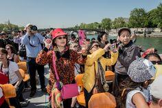 À la fin du mois d'avril 2015, lephotographe Jeremy Suyker, dont Slate a déjà publié un reportage sur l'Iran, a suivi un groupe de touristes chinois à travers l'Europe. «L'idée de ce reportage n'était pasd'accentuer les clichésmais de comprendre pourquoi ils...