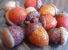 Try this idea Glittered acorns. Great for Autumn decor, favors and gifts bags! these glitter acorn ornaments which will suit for autumn and Yule/Christmas decoration as well! Autumn Crafts, Holiday Crafts, Holiday Fun, Holiday Ideas, Festive, Acorn Crafts, Pinecone Crafts Kids, Autumn Decorating, Pumpkin Decorating