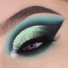 Dramatic Eye Makeup, Makeup Eye Looks, Eye Makeup Steps, Eye Makeup Art, Colorful Eye Makeup, Eyeshadow Makeup, Retro Eye Makeup, Grunge Eye Makeup, Nyx Eyeliner