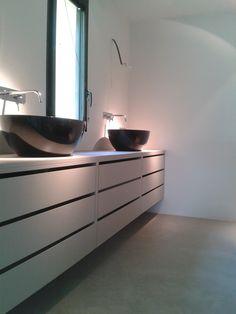 Notre b ton donne une autre aspect la pi ce - Beton cire salle de bain leroy merlin ...