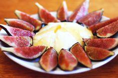 Greek yogurt + figs + honey = Love
