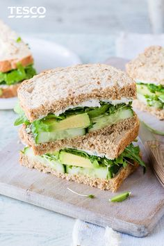 Rouse some lunchtime envy with this green goddess sandwich recipe. A healthy and delicious lunch idea, it stars avocado, cucumber, cress, rocket and basil. Healthy Sandwiches, Wrap Sandwiches, Sandwich Recipes, Picnic Recipes, Clean Eating, Healthy Eating, Healthy Food, Top Recipes, Healthy Recipes