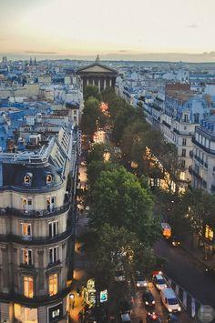 L'Eglise de la Madeleine et la Rue Tronchet - Paris, France