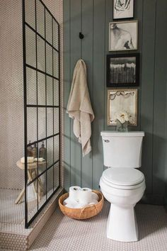 Unique, Warm Master Bathroom Reveal - Claire Brody Designs Unique, Warm Master Bathroom Reveal, bathroom with gray shiplap and walk in shower Design Black Decor, Gray Shiplap, Master Bathroom, Bathroom, Small Bathroom, Bathroom Interior Design, Bathroom Decor, Bathroom Design, Walk In Shower