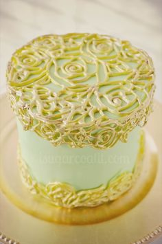I Sugar Coat It!: Vintage caged cake using royal icing.