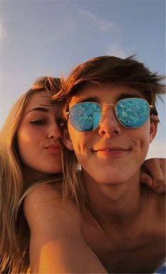 120 Cute And Goofy Relationship Goals For You And Your Soul Mate – Page 29 of 120 – Chic Hostess – relationshipgoalss Cute Couples Photos, Cute Couple Pictures, Cute Couples Goals, Couple Photos, Couple Selfie, Teen Couples, Couple Goals Relationships, Relationship Goals Pictures, Couple Relationship