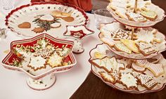 Christmas by Villeroy & Boch - A good juste milieu between Estern and Western traditions. Christmas Dishes, Christmas Tablescapes, Christmas Tea, Christmas Holidays, Christmas Decorations, Xmas, Villeroy Et Boch Noel, Kitchenware, Tableware