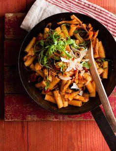 Tuna and rocket puttanesca pasta