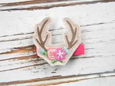 Hey, I found this really awesome Etsy listing at https://www.etsy.com/listing/253562394/antlers-hair-clip-girls-felt-hair-clip