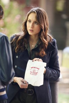 Pretty Little Liars Season 5 Episode 2.