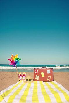 Du fährst in den Urlaub und bist dir nicht sicher, ob und wie du deine  gesunde Ernährung auch im Urlaub durchziehen kannst? Dann habe ich hier  genau die richtigen Tipps für dich. Ich zeige dir wie Abnehmen im  Urlaub funktioniert. So hälst du an deinem Ernährungsplan fest und  kommst nicht mit 5 Kilo mehr im Gepäck wieder. #abnehmen #abnehmtipps #diät