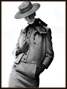 Simone d'Aillencourt in elegant wool three-piece suit by Yves Saint Laurent, photo by Jean Louis Guégan. 1965