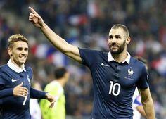 Karim Benzema foi detido para averiguação após ter supostamente chantageado o meia Mathieu Valbuena (foto: EPA)
