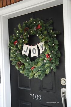 JOY Christmas Wreath | theidearoom.net