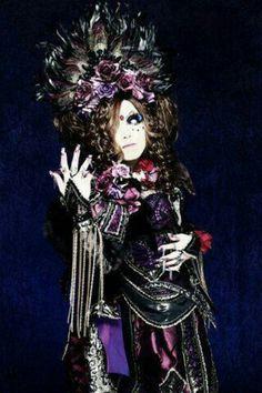 Jasmine You. Versailles.