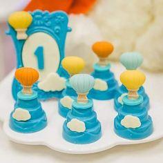 Baby Stork, Desert Table, Baby Shower Balloons, Hot Air Balloon, Transportation, Deserts, Birthday Parties, Cake, Party