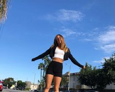Mack Z, Cute Poses For Pictures, Poses For Photos, Mackenzie Ziegler Instagram, Cute Casual Outfits, Summer Outfits, Teen Outfits, Instagram Pose, How To Pose