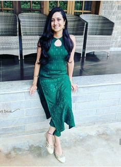 Salwar Designs, Silk Kurti Designs, Kurta Designs Women, Kurti Designs Party Wear, Cotton Kurtis Designs, Long Kurta Designs, Latest Kurti Designs, Kurti Back Neck Designs, Stylish Kurtis Design