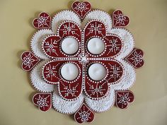 Moha Konyha: adventi koszorú mézesből Christmas Baking, Christmas Cookies, Christmas Wreaths, Christmas Crafts, Gingerbread Cookies, Advent Wreath, Ornament Wreath, Wool Mats, Royal Icing Decorations