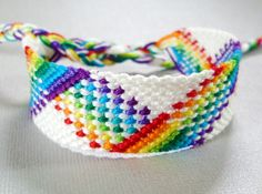 Nine Color Rainbow Plaid Friendship Bracelet - Adjustable Knotted Bracelet with Braided Ties Embroidery Shop, Learn Embroidery, Embroidery Thread, Embroidery Patterns, Embroidery Floss Bracelets, Thread Bracelets, Heart Friendship Bracelets, Friendship Bracelet Patterns, Bracelet Fil