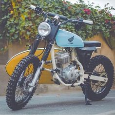 "From Dubai to CRN this ""Beach Scrambler"" Honda ""The Turtle Chaser"". From Dubai to CRN this ""Beach Scrambler"" Honda ""The Turtle Chaser"" by / What do you guys think?… From Dubai to. Honda 125, Honda Scrambler, Cafe Racer Motorcycle, Motorcycle Design, Street Scrambler, Tracker Motorcycle, Moto Bike, Cafe Bike, Cafe Racer Bikes"