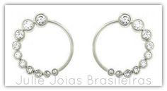 Brincos argola em ouro branco 750/18k e diamante (750/18k white gold hoop earrings with diamond)