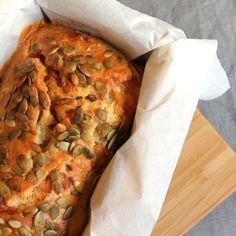 Cake aux tomates séchées, comté et graines de courges