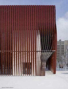 I love stripes - dressupvamp:    Nebuta-no-ie Warasse by Frank La Riviere in Aomori, Japan