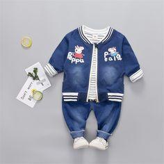 fa86ccf34 Bebé 3 Unids Alcancía de Dibujos Animados Ocasional Ropa Conjunto Uniforme  de Béisbol Chaqueta de Mezclilla + camiseta + Jeans Pant Bebé Muchacha del  ...
