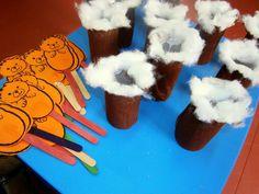 Προσχολική Παρεούλα : Σσσσσς ... τα ζωάκια κοιμούνται !!! Winter Activities, Preschool Activities, Teaching English, Art For Kids, Kindergarten, Classroom, Blog, Crafts, Bears